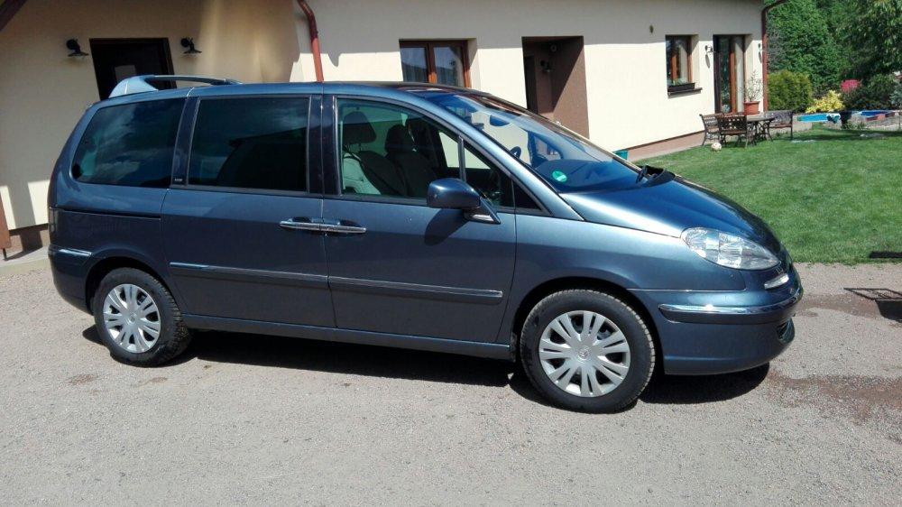 Peugeot 807.jpg