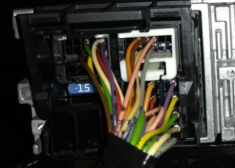 konektor.thumb.jpg.5bc84bc14156ddd45dad19a9feebbabd.jpg