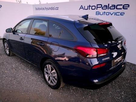 Hyundai_I30_Stellar_Blue_1.jpg